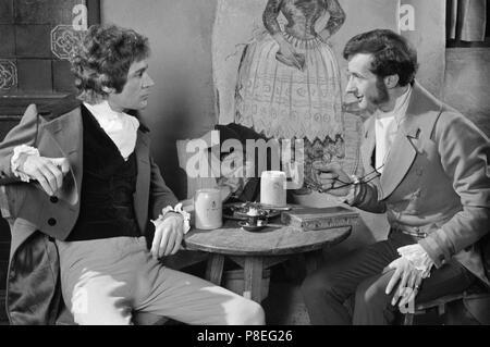 La convoitise pour un vampire (1971) Michael Johnson, Jonathan Cecil, Date: 1971 Banque D'Images