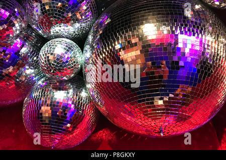 Berlin, Allemagne, boules disco Banque D'Images