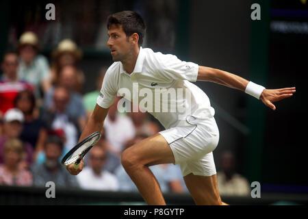 Londres, Angleterre - le 11 juillet 2018. Wimbledon Tennis:Novak Djokovic en quart de finale match contre Kei Nishikori sur le Court Central de Wimbledon aujourd'hui. Crédit: Adam Stoltman/Alamy Live News Banque D'Images