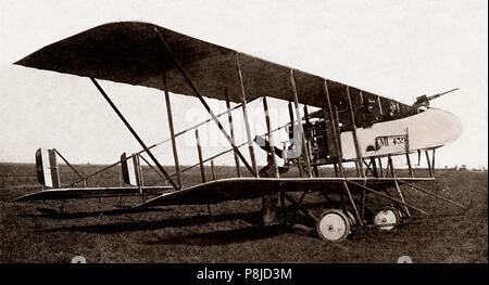 Le Maurice Farman MF.11 Shorthorn est un 'Français' aéronef développé avant la Première Guerre mondiale par l'Aviation Farman fonctionne. Il a été utilisé comme un bombardier léger de reconnaissance et au début de la Première Guerre mondiale, plus tard d'être relégués à des tâches de formation. Comme bombardier léger il a effectué le premier bombardement de la guerre alors que le 21 décembre 1914 un MF.11 de la Royal Naval Air Service ont attaqué des positions de l'artillerie allemande autour d'Ostende, en Belgique. Banque D'Images
