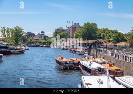 Bateaux au fleuve Tigre - Tigre, Buenos Aires, Argentine Banque D'Images