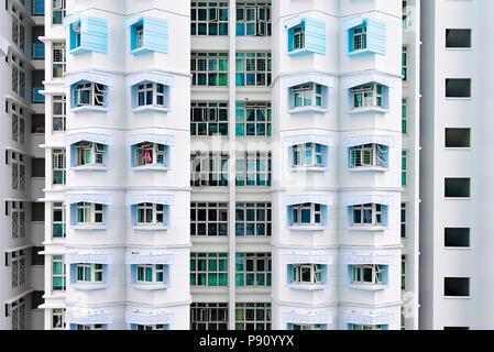 Singapour. Façade de HDB le logement public. Banque D'Images