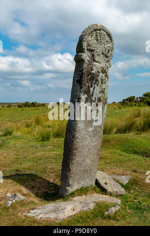 Sbires Cornwall Bodmin Moor Angleterre Juillet 12, 2018 La croix Longstone, également connu sous le nom de Long Tom