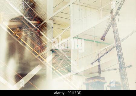 Exploitation des travailleurs dans l'industrie de la construction conceptuelle de l'image, double exposition avec silhouette de l'homme masculin la superposition de chantier Banque D'Images