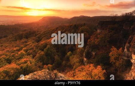 Vue depuis la falaise Hohenstein collines colorées du Weserbergland