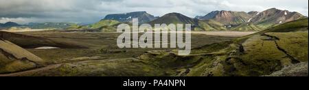 Beau paysage panorama de Landmannalaugar (Montagnes de l'Arc-en-ciel), l'Islande Banque D'Images