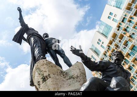 Monument commémorant les martyrs exécutés par les Ottomans criblé de trous de balle de la guerre civile libanaise, la Place des Martyrs, au centre-ville, au Liban Banque D'Images
