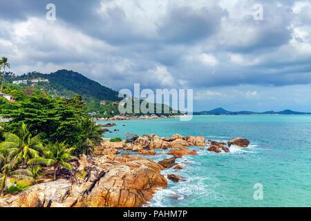 De belles vues sur la côte de Koh Samui en Thaïlande.