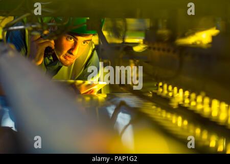 Dans l'industrie ingénieur machines inspection