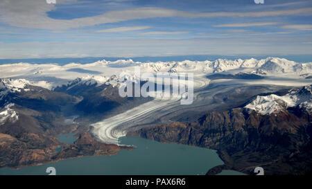 Vue aérienne de Viedma Glacier avec cordon Mariano Moreno au sud du champ de glace de Patagonie, près de El Chalten, Patagonie, Argentine Banque D'Images