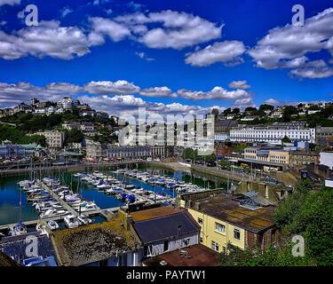Go - DEVON: le port de Torquay et de la ville (image HDR) Banque D'Images
