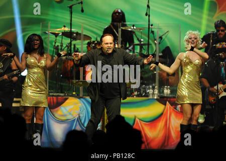HOLLYWOOD FL - 20 mars: Harry Wayne 'K.C.' Casey de KC & The Sunshine Band effectue au Hard Rock Live eu lieu au Seminole Hard Rock Hotel & Casino le 20 mars 2015 à Hollywood, Floride Personnes: Harry Wayne Casey_KC Banque D'Images