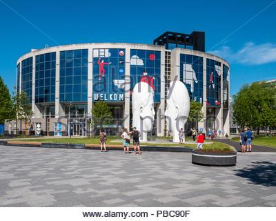 Leeuwarden, Pays-Bas - le 27 mai 2018: l'un des 11 fontaines qui ont été conçus à l'occasion d'Leeuwarden-Friesland au titre de Capitale Européenne Banque D'Images