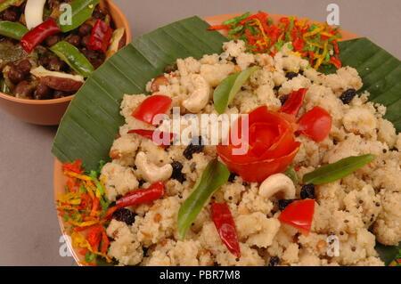 Uppumavu ou légumes upma,est un plat de petit-déjeuner commune dans le sud de l'Inde,fait de rava ou sooji. Banque D'Images