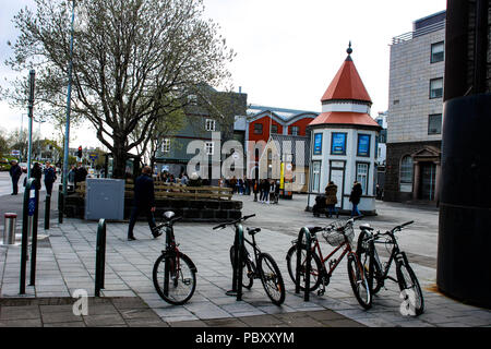 Islande Reykjavik, 13 mai 2018: autres neaty alignés dans un shoppi Banque D'Images
