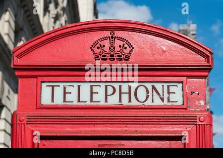 Boîte de téléphone rouge à Londres, Angleterre, RU Banque D'Images