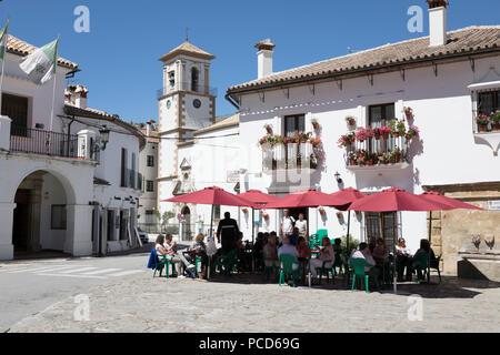 Cafe à Town Square, Grazalema, Parc Naturel Sierra de Grazalema, Andalousie, Espagne, Europe