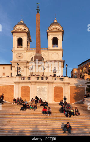 Espagne, Santa Trinita dei Monti church, Piazza di Spagna, Rome, Latium, Italie Banque D'Images