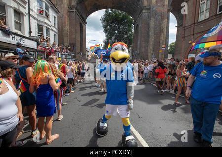 Brighton, UK. 4 août 2018, les participants prennent part à l'Assemblée Brighton Pride Parade, Brighton en Angleterre. © Jason Richardson / Alamy Live News Banque D'Images
