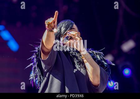 Brighton, UK. 5 août 2018. Gabrielle prend de la scène principale sur le deuxième jour de fierté Crédit: Hugh Wilton/Alamy Live News Banque D'Images
