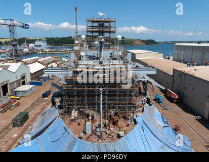 Navire en cale sèche au chantier pendennis, Falmouth, Cornwall, Angleterre, Grande-Bretagne, Royaume-Uni. Banque D'Images