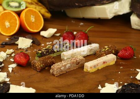 Des barres de chocolat, pralines et truffes de différents types