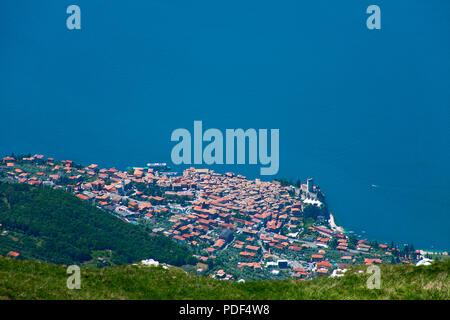Vue du Monte Baldo Malcesine et sur le lac de Garde, Vérone, le lac de Garde, Lombardie, Italie Banque D'Images