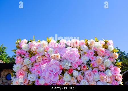 Mariage ou invitation de douche nuptiale ou Mother's Day card immersive, décoré de fleur cadre, l'espace vierge pour un texte Banque D'Images