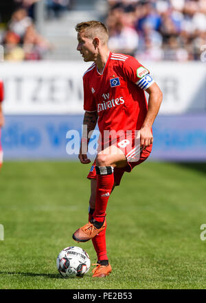Hambourg, Allemagne. 12 août 2018.Lewis Holtby (HSV Hamburg Hambourg) simple action, cut out. GES/football/2. Bundesliga : SV Sandhausen - HSV Hamburg Hambourg, 12.08.2018 - 1ère Division Football/soccer : SV Sandhausen vs HSV Hamburg Hamburg Hamburg, l'emplacement, Aug 12, 2018 - Règlement du LDF à interdire toute utilisation des photographies comme des séquences d'images et/ou quasi-vidéo. | conditions dans le monde entier : dpa Crédit photo alliance/Alamy Live News Banque D'Images