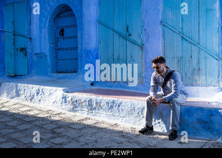 Chefchaouen (Chaouen) est une ville du Maroc a noté pour ses immeubles dans les tons de bleu. Banque D'Images