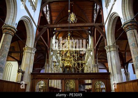 Vue de l'intérieur de l'ancienne église ou Oude Kerk à Amsterdam, Pays-Bas Banque D'Images