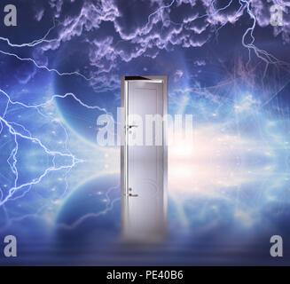 Scène de l'espace surréaliste. Porte blanche symbolise portail pour une autre dimension Banque D'Images