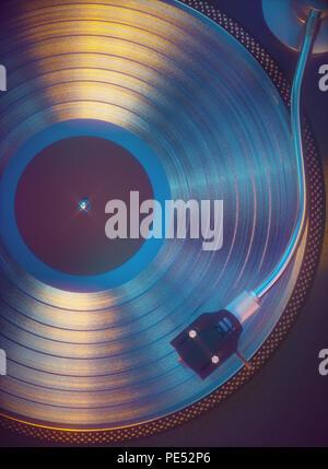 3D illustration. Disque vinyle coloré à partir de ci-dessus. Concept musique rétro son analogique. Banque D'Images