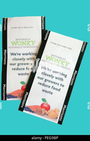 La promotion de Morrisons wonky fruits et légumes pour aider à réduire les déchets alimentaires Banque D'Images