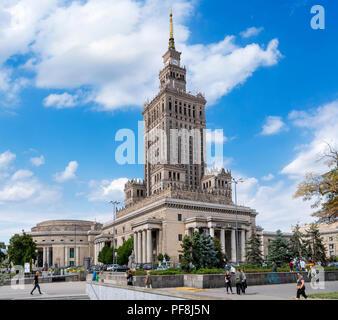 Les années 1950 Palais de la Culture et de la Science (ac'attendra Kultury i Nauki ou PKiN), un important jalon dans la capitale polonaise, Varsovie, Pologne Banque D'Images