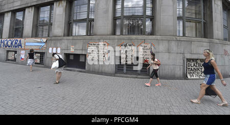 Ostrava, République tchèque. Août 21, 2018. Inscriptions avec des messages aux occupants de commémorer une atmosphère d'invasion du Pacte de Varsovie en août 1968, à Ostrava, en République tchèque, le 21 août 2018. Photo: CTK Jaroslav Ozana/Photo/Alamy Live News Banque D'Images
