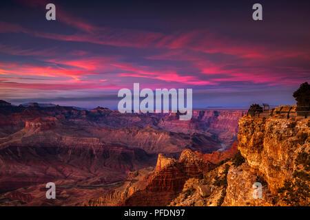 Ciel dramatique au coucher du soleil sur le Grand Canyon Banque D'Images
