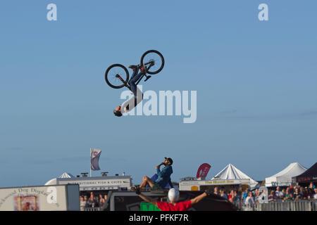 Vélo BMX Stunts. Retour à 360 degrés flip series 2 de 5 Banque D'Images