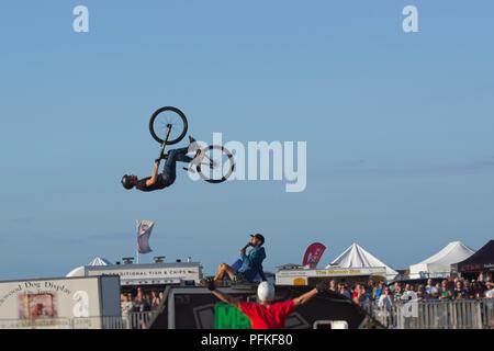 Vélo BMX Stunts. Retour à 360 degrés flip series 1 de 5 Banque D'Images