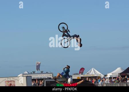Vélo BMX Stunts. Retour à 360 degrés flip series 4 de 5 Banque D'Images