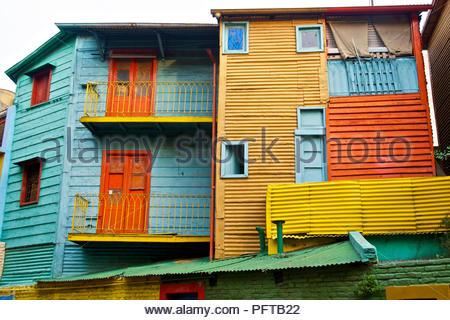 L'Amérique du Sud, de maisons peintes en couleurs El Caminito, la rue à La Boca, Buenos Aires, Argentine Banque D'Images