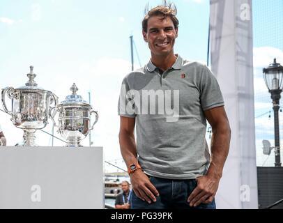 New York, USA. Août 23, 2018. Le joueur de tennis espagnol Rafael Nadal au cours de l'expérience de l'US Open en direct à Brookfield Place à New York aux États-Unis ce jeudi, 23. (PHOTO: VANESSA CARVALHO/BRÉSIL PHOTO PRESSE) Credit: Brésil Photo Presse/Alamy Live News Banque D'Images