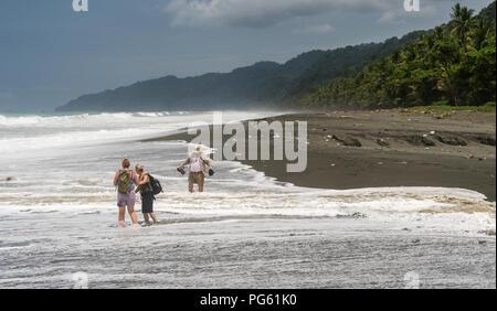 Plage, Parc national de Corcovado, péninsule d'Osa, au Costa Rica. Banque D'Images