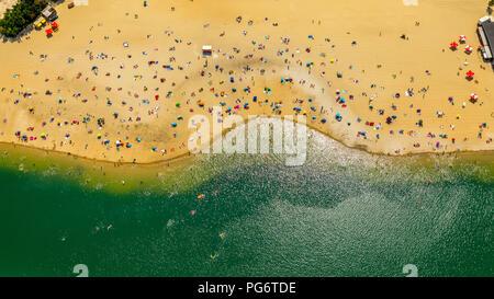 Plage la plus populaire de la région de la Ruhr est située à Silver Lake II à Haltern am See, le sable et l'eau des Caraïbes, sentiment, Lido, l'eau turquoise, les baigneurs, Banque D'Images