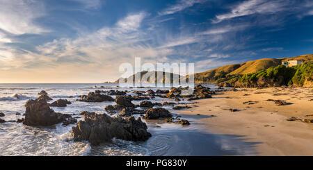 Nouvelle Zélande, île du Sud, le sud de l'itinéraire touristique, Catlins, lever du soleil à Nugget Point Banque D'Images