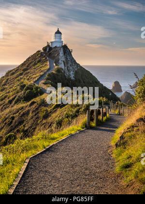 Nouvelle Zélande, île du Sud, le sud de l'itinéraire touristique, Catlins, Nugget Point Lighthouse Banque D'Images