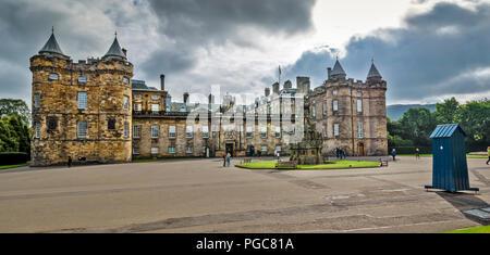 Edimbourg ECOSSE HORSE WYND HOLYROODHOUSE PALACE ET LES TOURISTES Banque D'Images