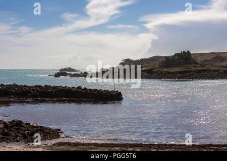 Vieille Ville Bay, Pulpit Rock sur Peninnis Head et de BCEI Lêh, St Mary's, Îles Scilly, UK