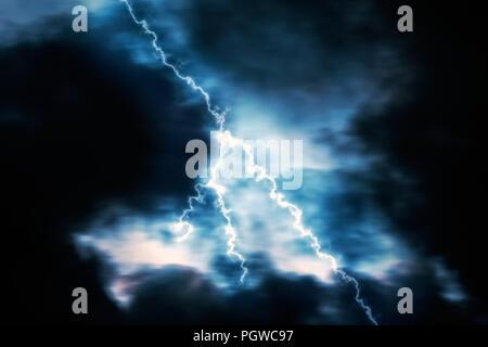 La foudre dans une sombre nuit de tempête Banque D'Images