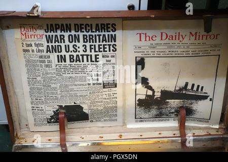 Le Japon déclare la guerre le journal Daily Mirror dans une brocante et bric-à-brac Centre, Angleterre